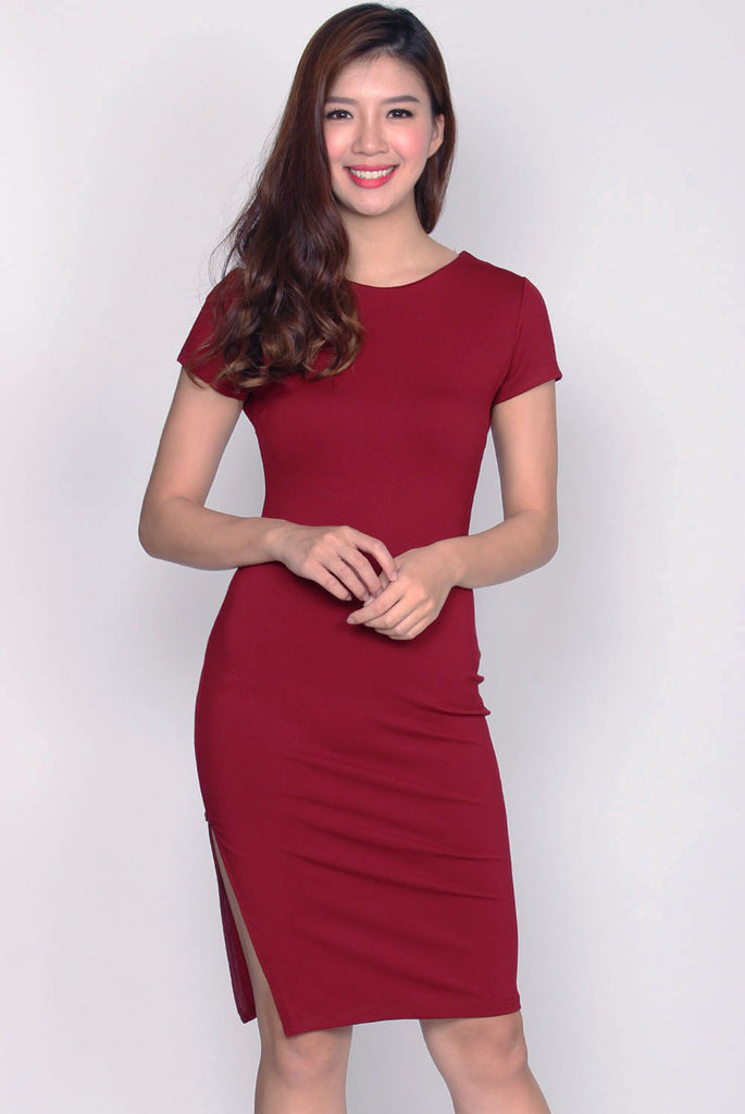 Taylor Slit Zip Pencil Dress In Wine Red