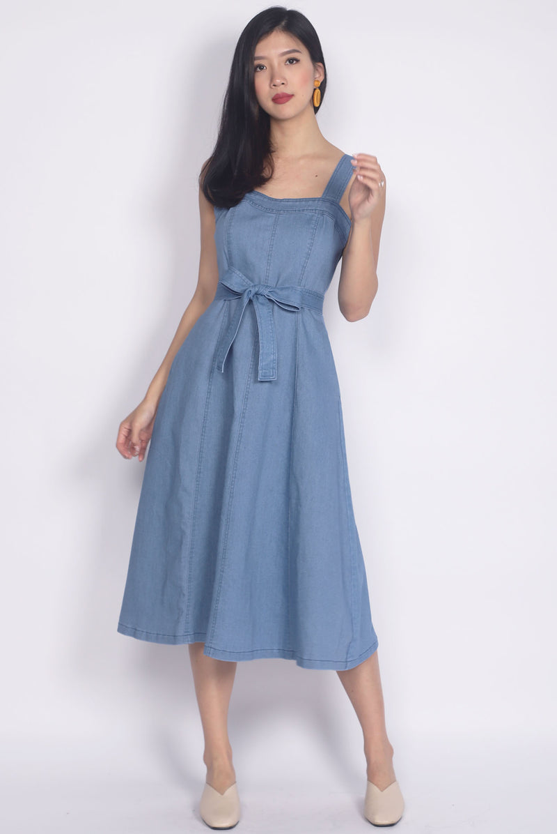 Tiphany Denim Sweetheart Dress In Light Blue
