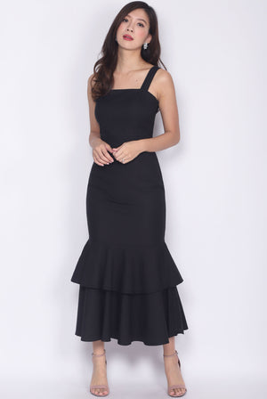 *Premium* Visvya Tiered Mermaid Dress In Black