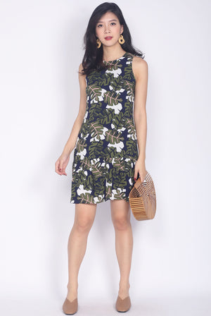 Wanelle Leafy Drop Waist Dress In Deep Green