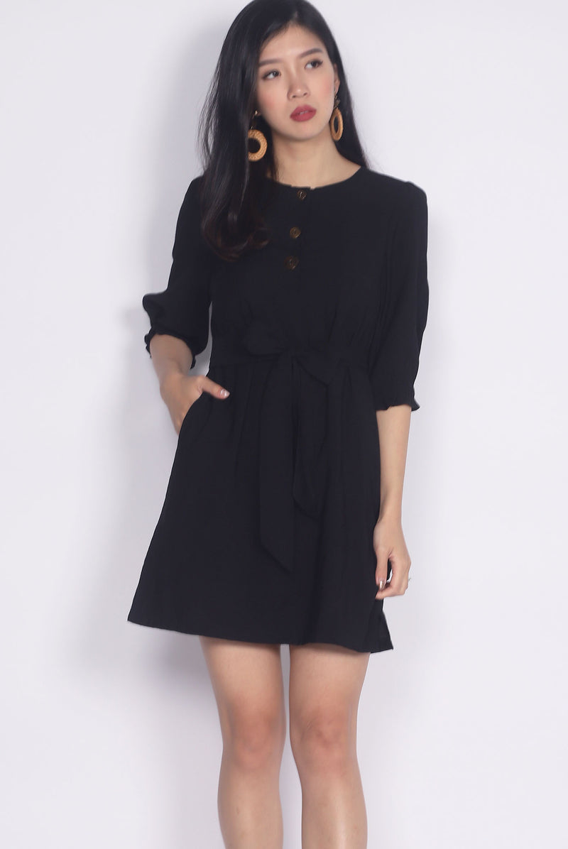 Winola Linen Buttons Sleeved Dress In Black