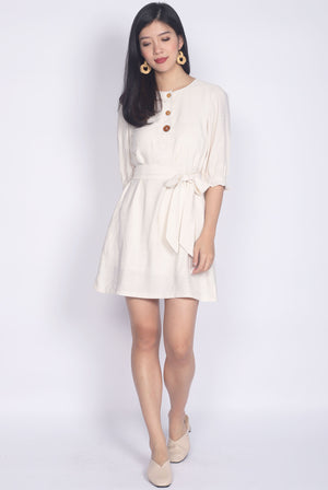 Winola Linen Buttons Sleeved Dress In Cream