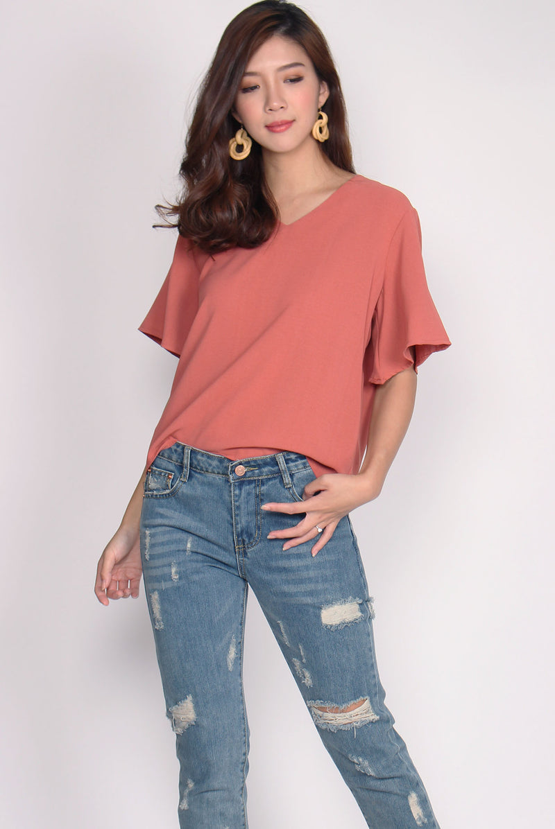 Yustina Flare Sleeve Top In Coral Pink