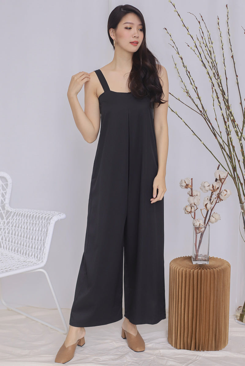 Zoeve Pleated Jumpsuit In Black