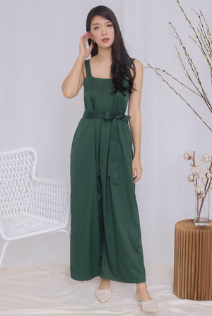 Zoeve Pleated Jumpsuit In Forest Green