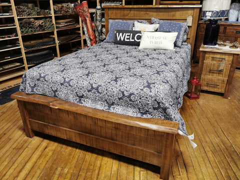 Sawmill live edge Queen Bed
