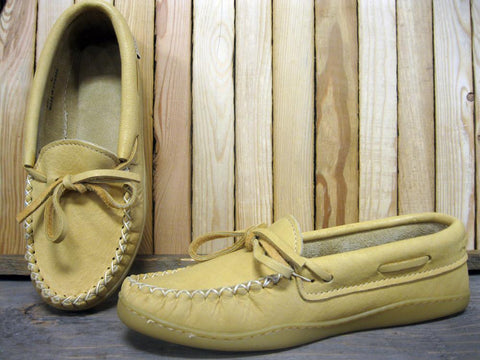 Ladies Natural Moose Hide Moccasin with Gum Sole
