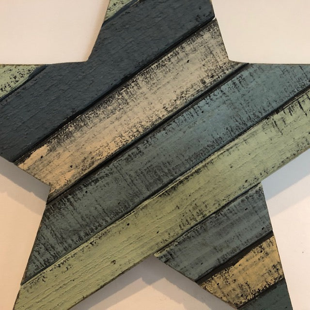 Distressed Wooden Star in detail