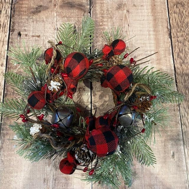 Wintry Wreath with Buffalo Check Ornaments