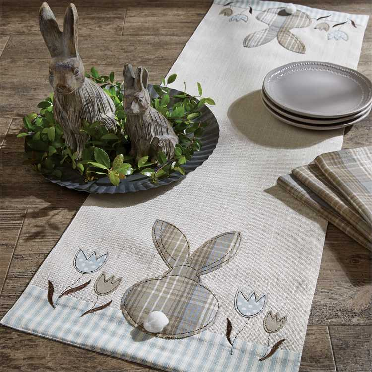 Easter Bunny and Tulip Table Runner