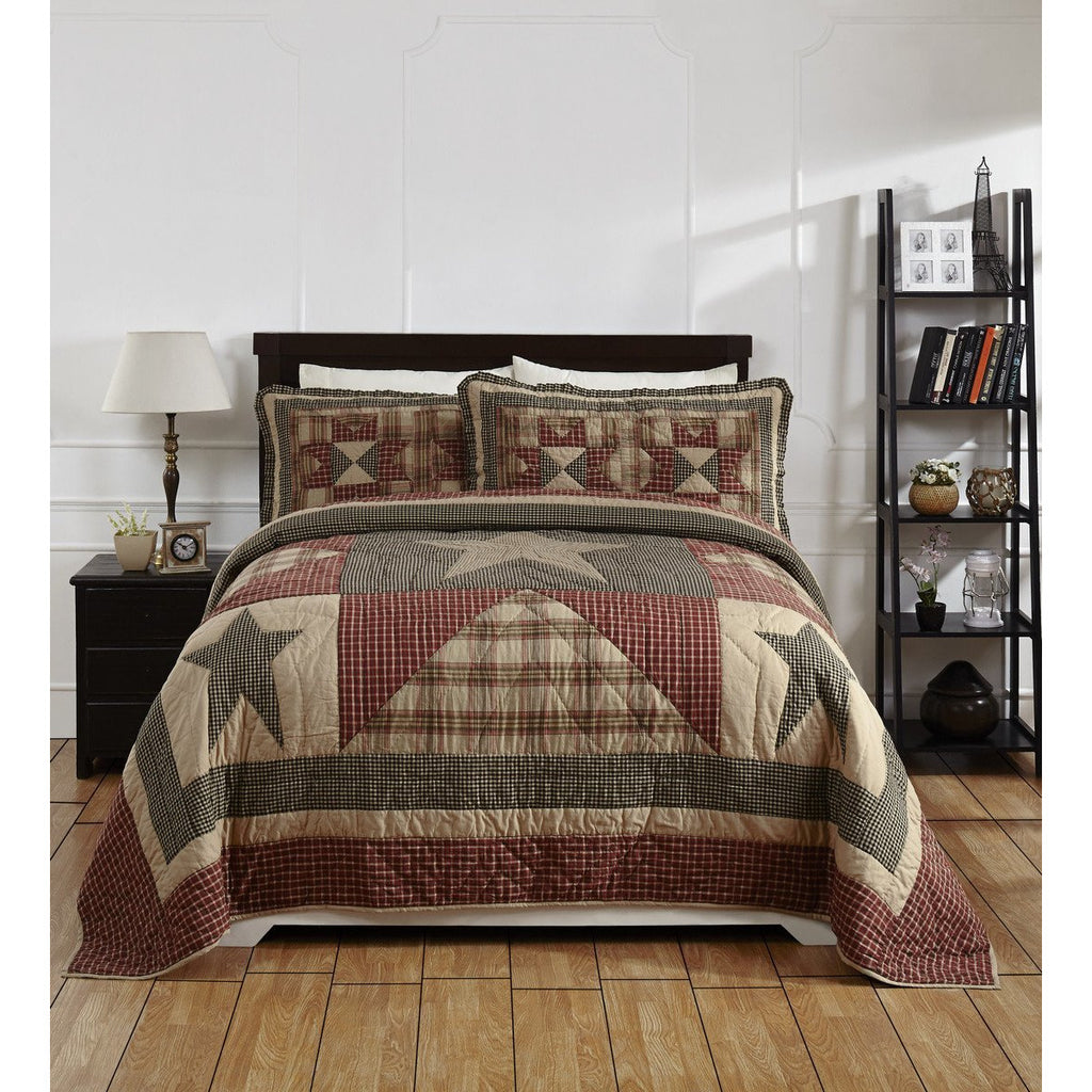 Plymouth Star Quilted Bedspread and Pillow Shams Set