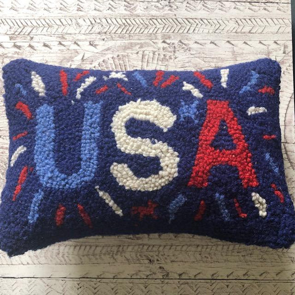 USA Hooked Cushion