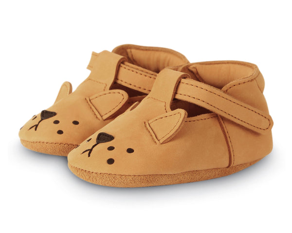 Lion Spark Shoes