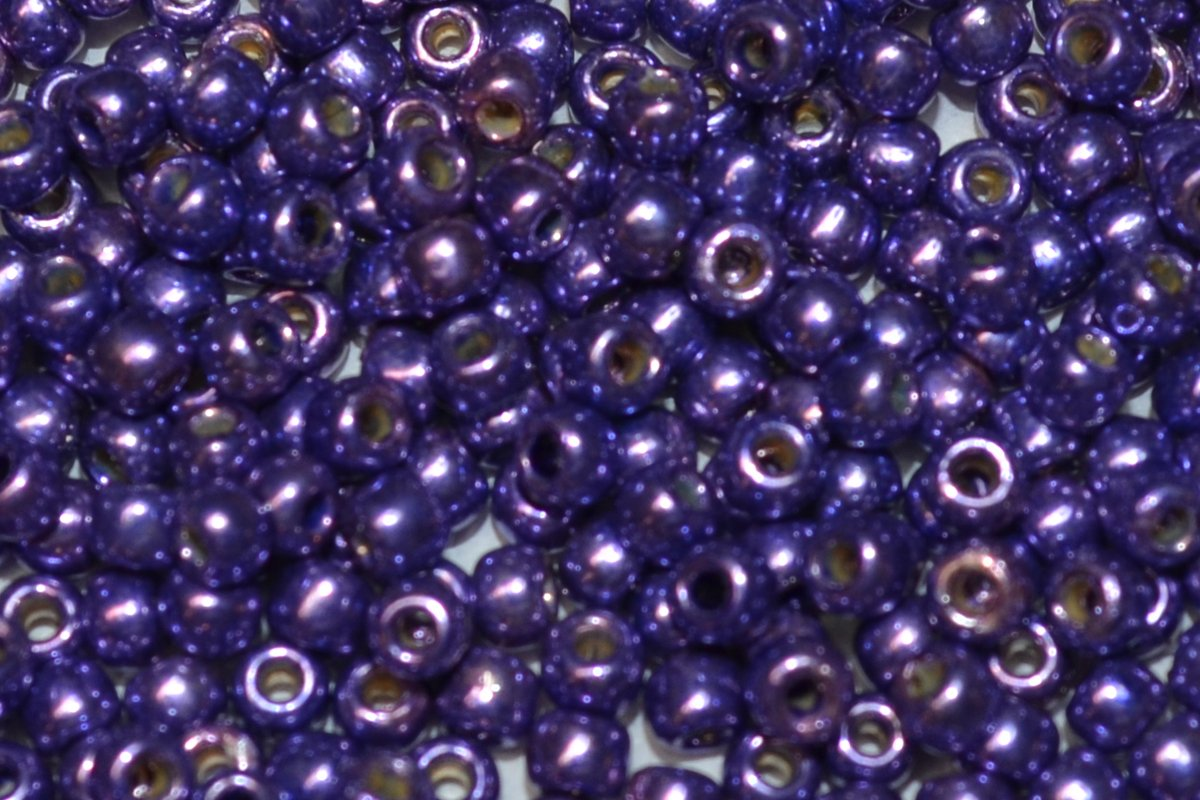 Toho 8/0 Round Japanese Seed Bead, TR8-581PF, Pretty Purple Galv PermaFinish