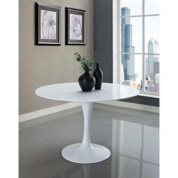 Tulip table replica - white marble