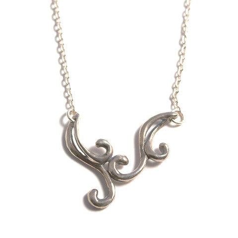 Curly V Necklace