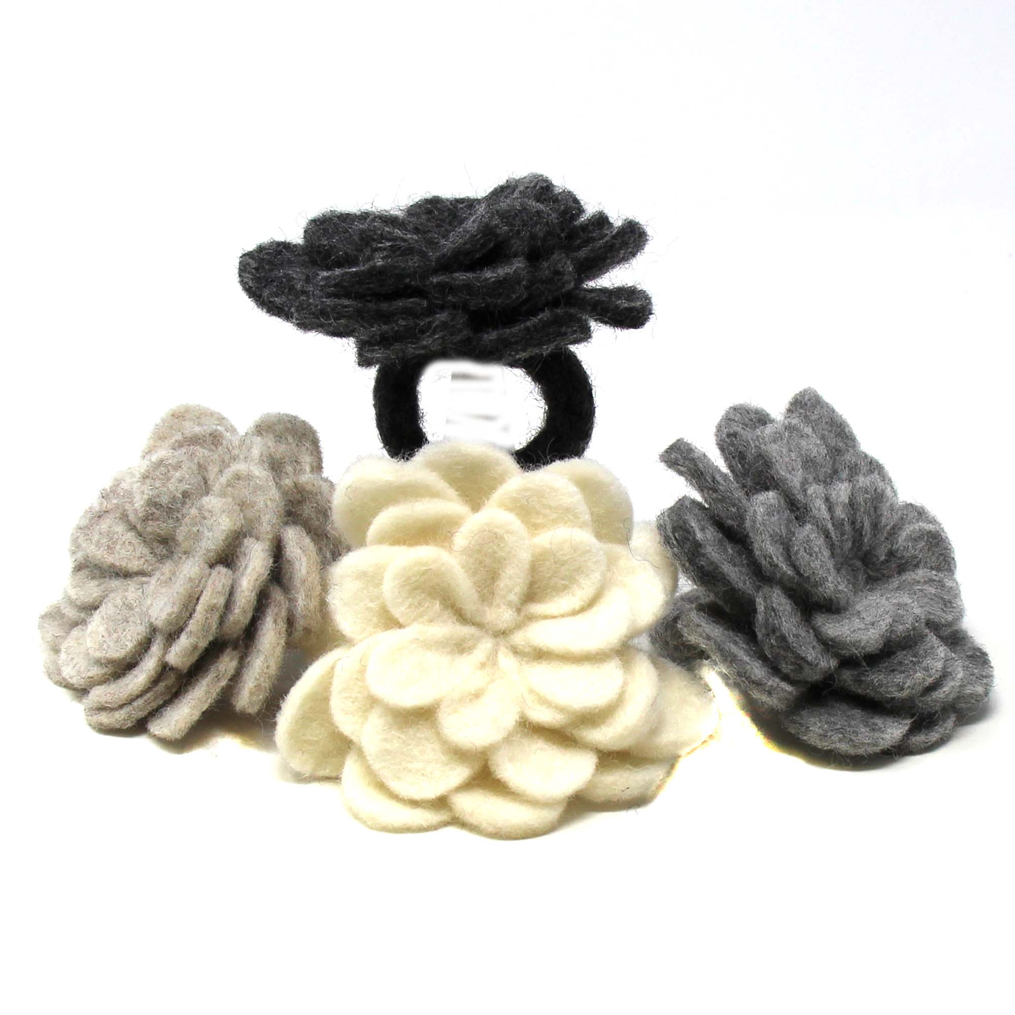 Set of 4 Napkin Rings, Assorted Neutral Color Zinnias