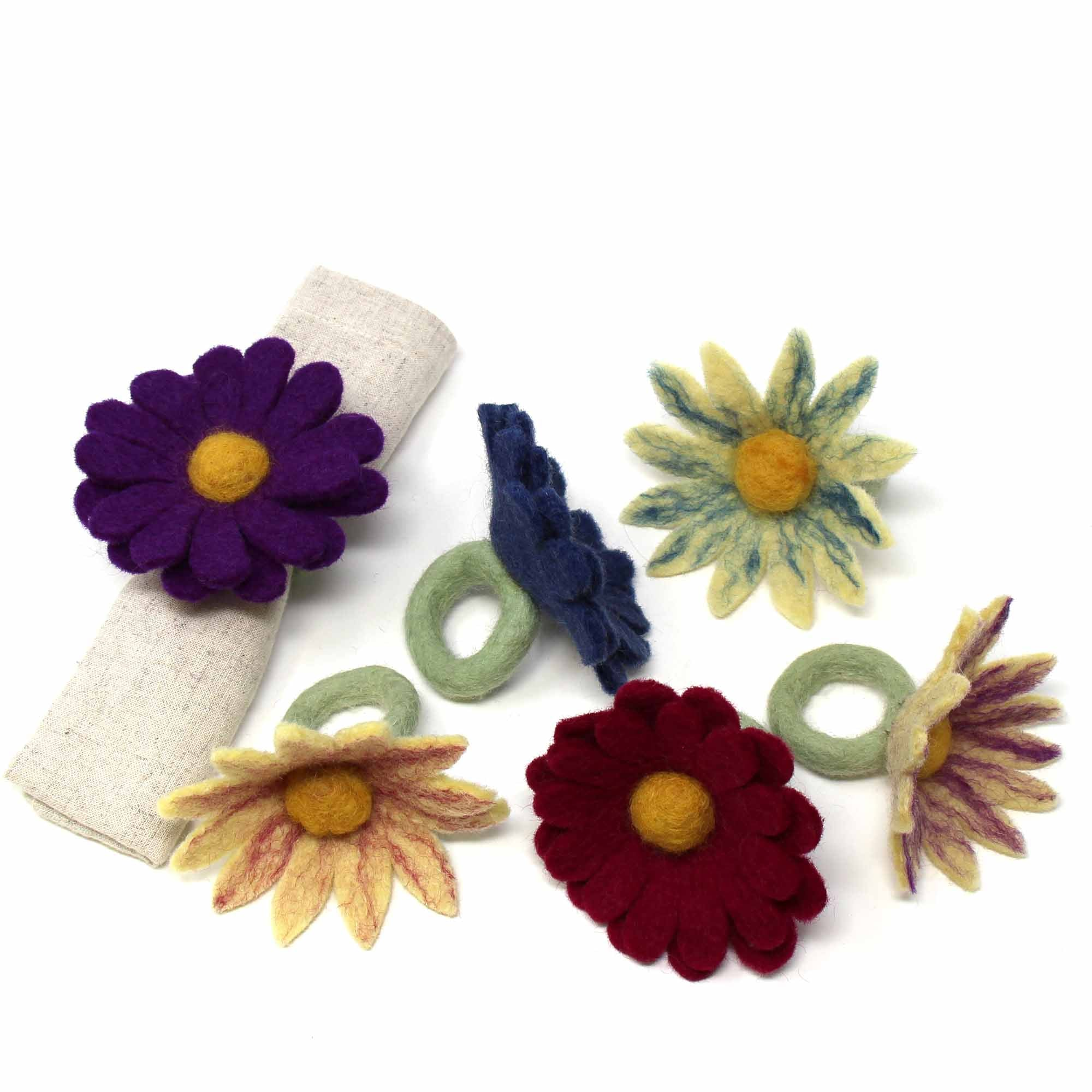 Set of 6 Napkin Rings, Assorted Daisies