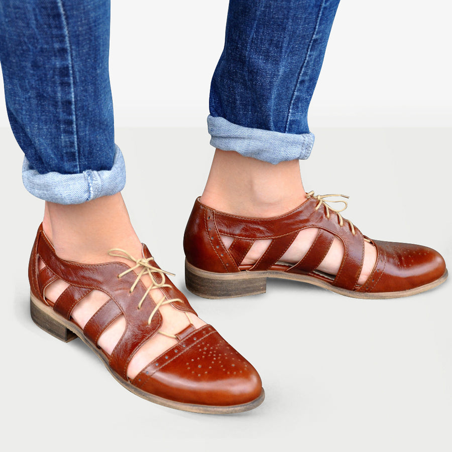 Cut Out Low Heel Oxford Shoes