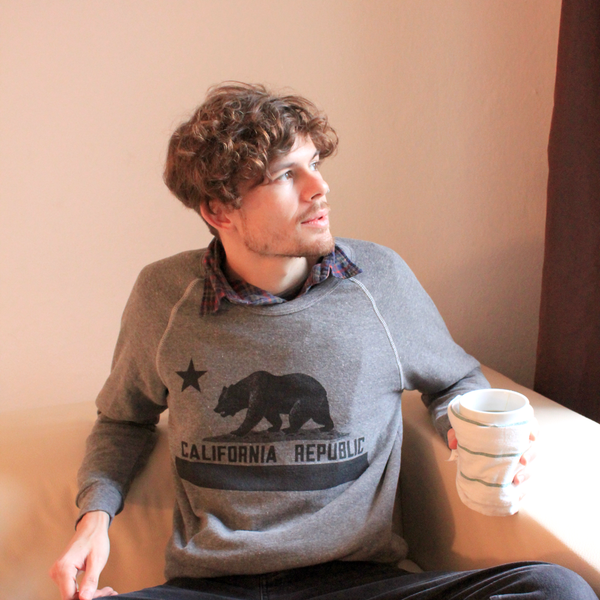California Republic Vintage Bear Flag Unisex Crewneck Sweatshirt