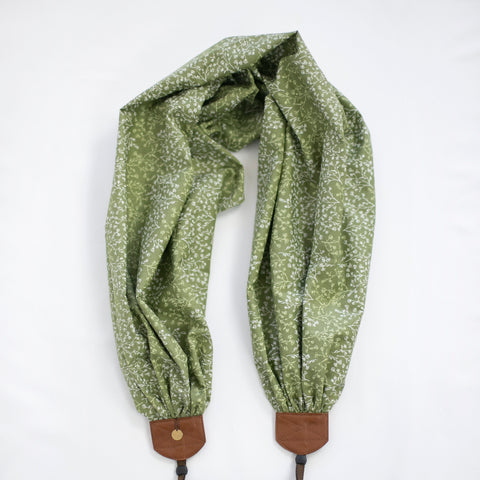 scarf camera strap baby's breath in sage - BCSCS141