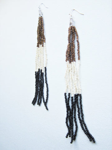 Ahmenat - Seed Bead Earrings Bronze/Cream/Black