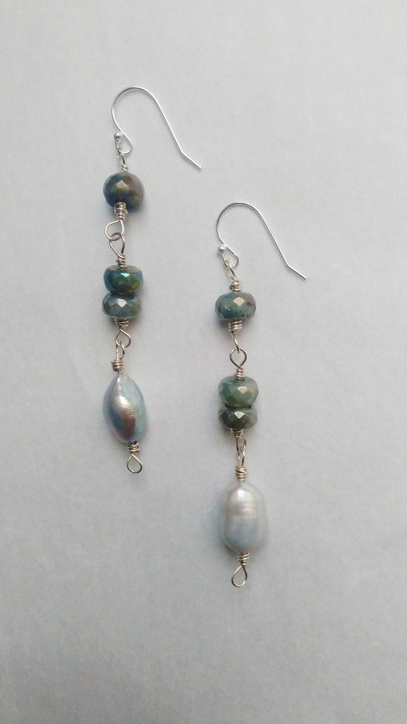 Rylee - Labradorite/Pearl Earrings