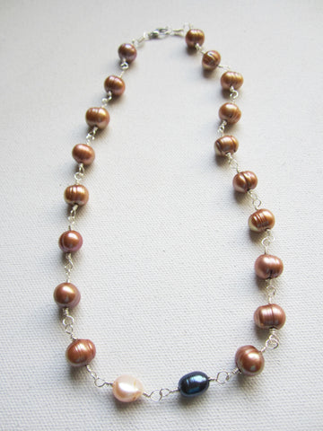 Jille -Freshwater Pearl Necklace Free Shipping