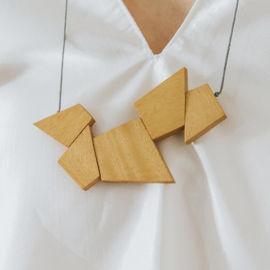 Oblong Adjustable Necklace / Mustard