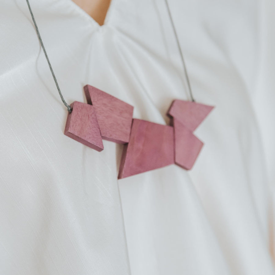Oblong Adjustable Necklace / Purple