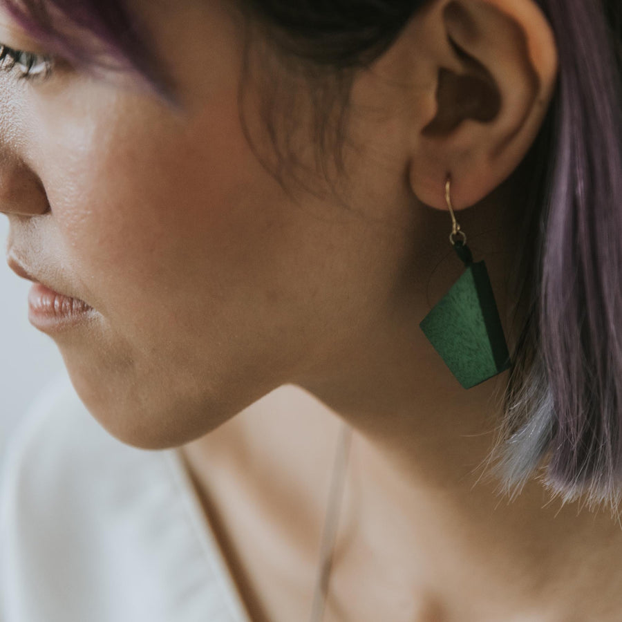 Oblong Mismatch Earrings / Army Green