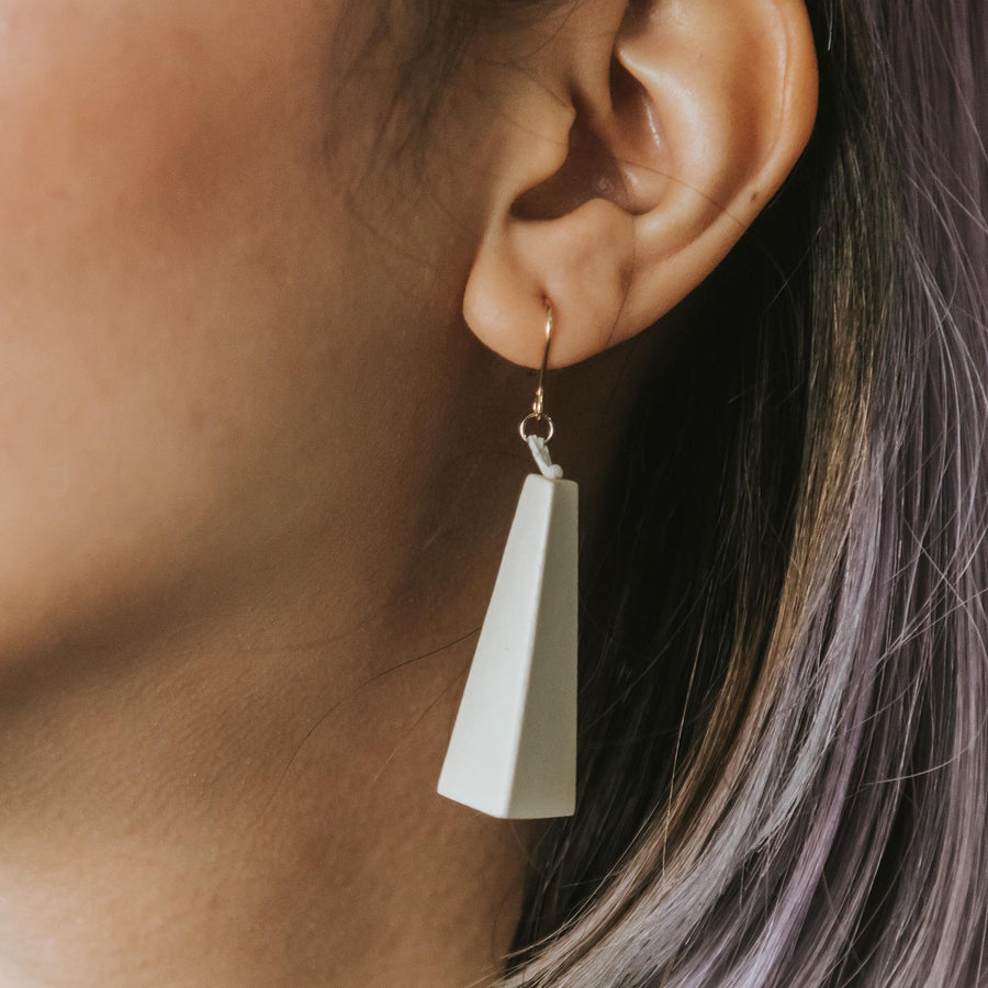 Quadrangle Q1 Earrings / White