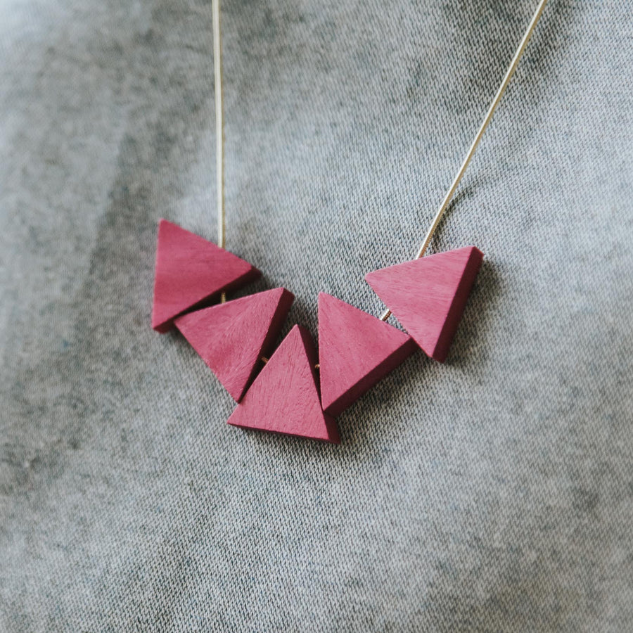 Mia Series 2 Triangle Chain Necklace / Magenta