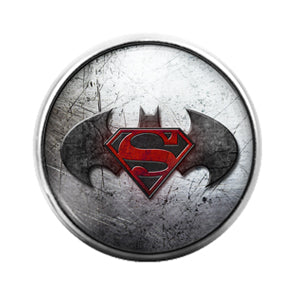 Superman vs Batman- 18MM Glass Dome Candy Snap Charm GD1151