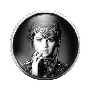 Selena Gomez - 18MM Glass Dome Candy Snap Charm GD0343