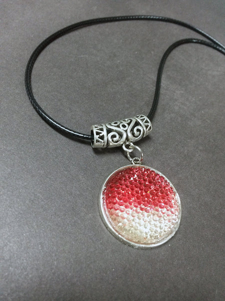 Valentine Gift Idea Resin Rhinestone Red White Gradient Pendant Necklace Beaded Charm Glass Silver Lobster Clasp MC14