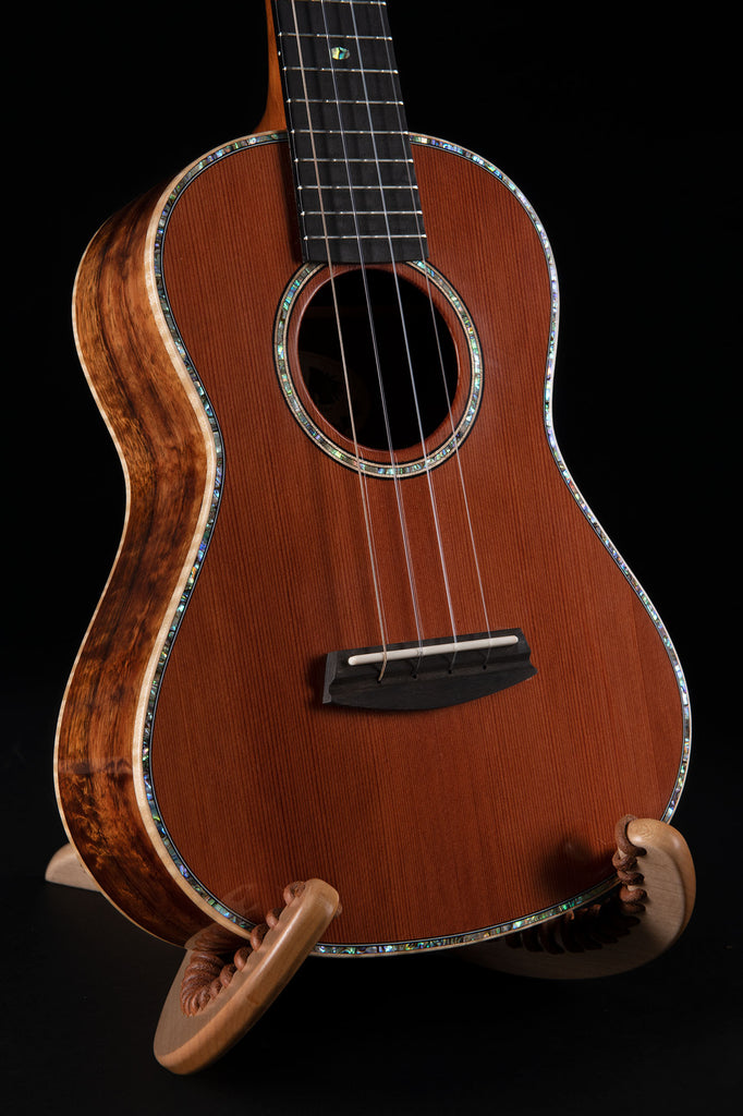 B-Stock: Gloss Redwood Hawaiian Koa Tenor Ukulele