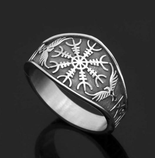 Helm of Awe Raven Ring (R074)