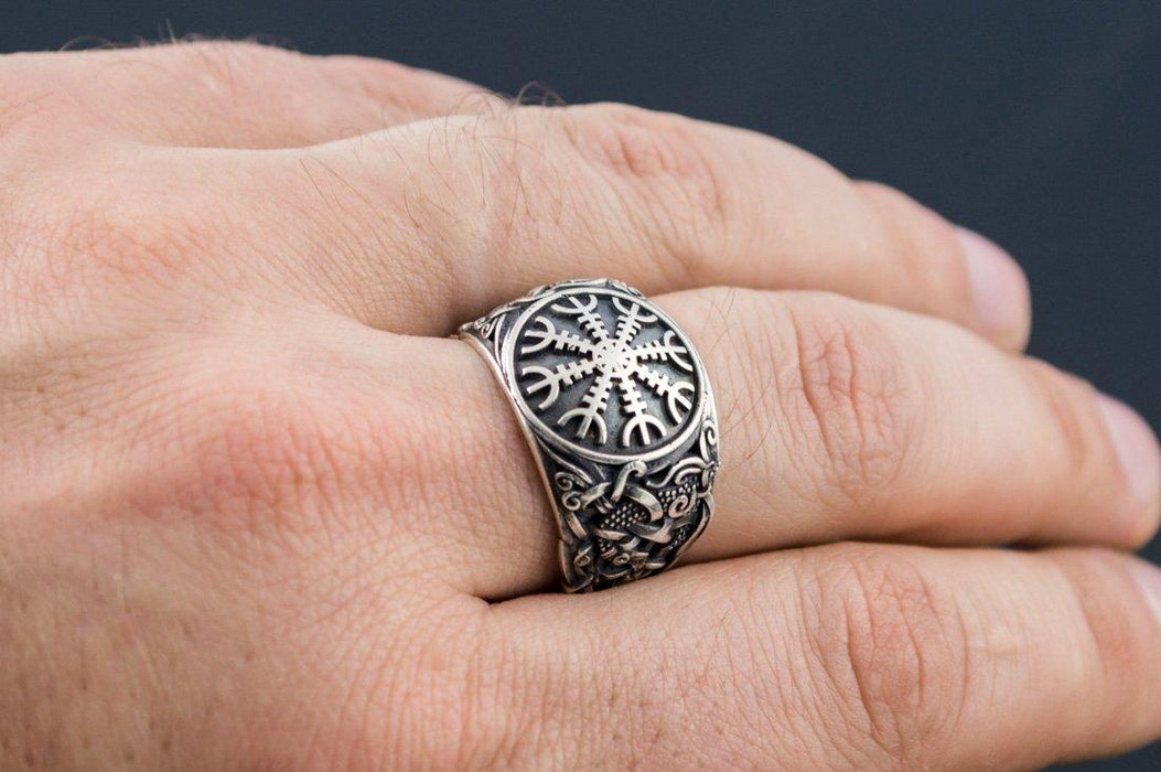 Helm of Awe Ring (S004)