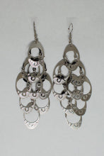 Load image into Gallery viewer, Lightweight Chandelier Oval Design Earrings