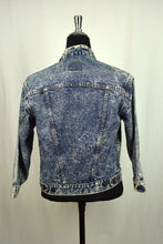 Load image into Gallery viewer, Levi's Brand Acid Wash Denim Jacket