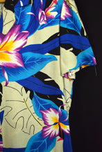 Load image into Gallery viewer, That's What Brand Ladies Hawaiian Print Shirt