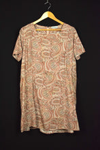 Load image into Gallery viewer, Avelina Brand Paisley Print Dress