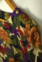 Load image into Gallery viewer, Cristin Stevens Brand Bold Floral Print Top