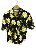 Load image into Gallery viewer, Caribou Brand Hibiscus Shirt