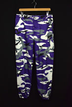 Load image into Gallery viewer, Purple Camo Cargo Pants