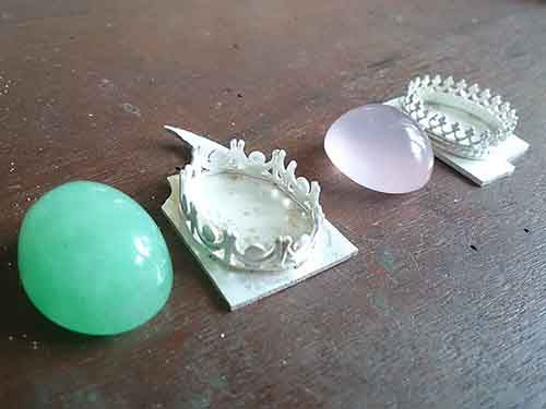 Jade & Rose Quartz are available now !