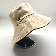 Load image into Gallery viewer, Reversible Bucket hat with Detachable Face shield (Black / Cream)