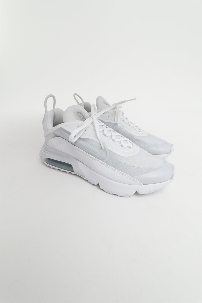 Nike Sporty Air Max 2090 in white made from lightweight