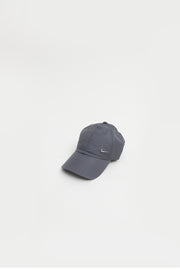Nike - Sportswear Hertiage 86 Cap in grey with metallic Nike Logo - 943092-021